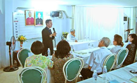 Ủy ban Giáo dân thảo luận về vai trò của người giáo dân  trong Giáo hội Việt Nam 50 năm qua