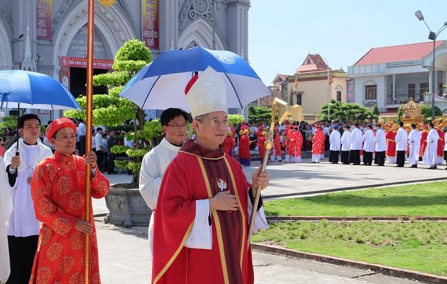 GP. Bùi Chu khai mạc Năm Thánh các Thánh Tử Đạo