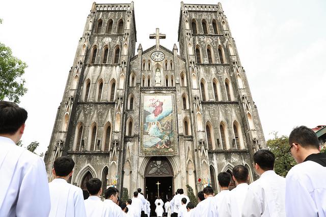 Đại lễ Chúa Lên Trời tại nhà thờ Chính tòa Hà Nội năm 2018