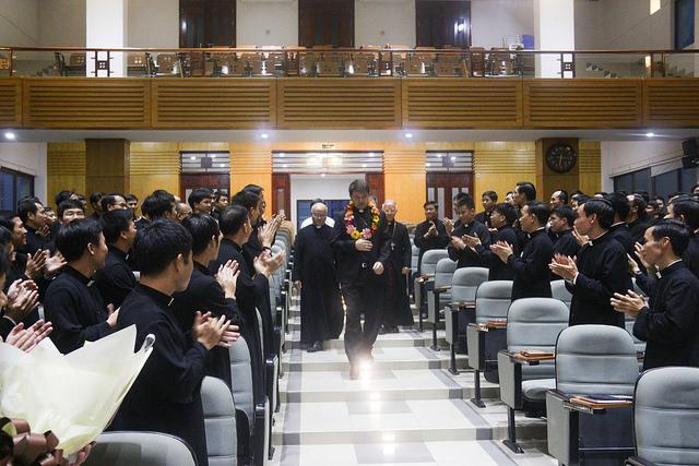 Đức Tổng Giám mục Marek Zalewski thăm Đại Chủng Viện Thánh Giuse Hà Nội