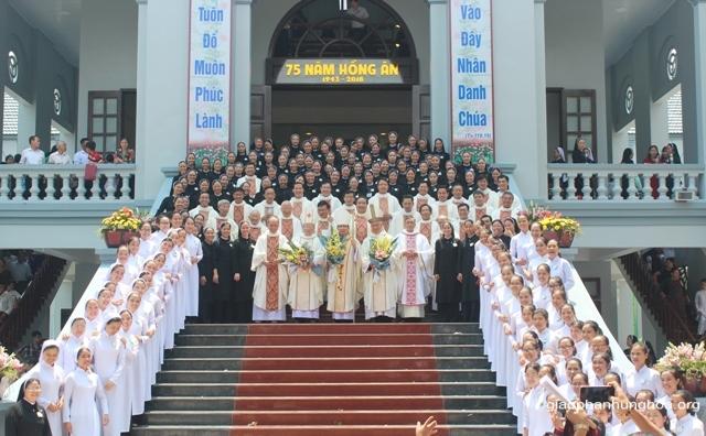 Thánh lễ khai mạc Năm Thánh mừng kỷ niệm 75 năm thành lập Hội dòng và khánh thành nhà nguyện Mến Thánh Giá Hưng Hóa (1943 - 2018)