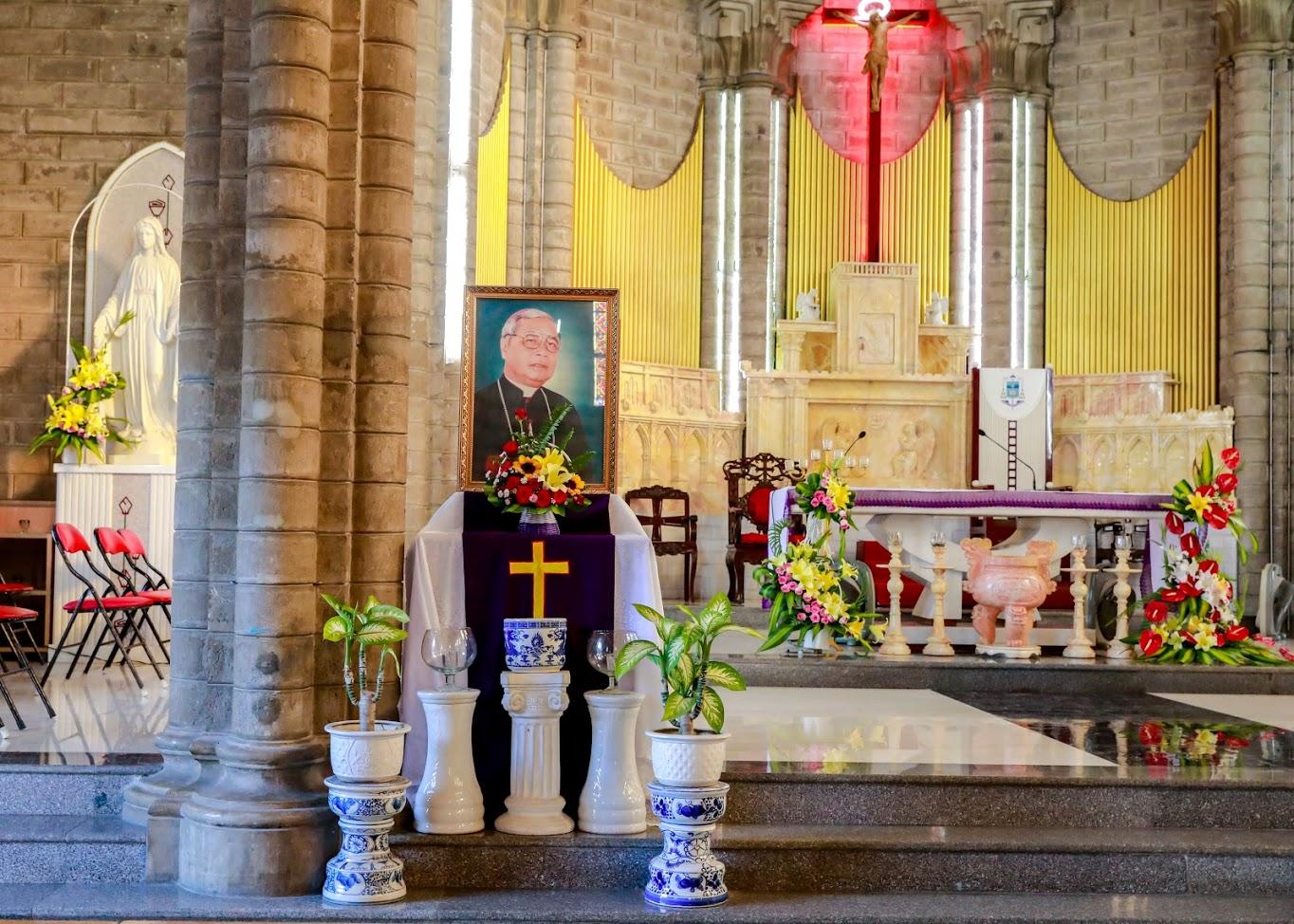 Thánh lễ giỗ lần thứ 15 Đức Cha Phêrô Nguyễn Văn Nho tại nhà thờ Chánh Tòa Nha Trang (21.05.2003 - 21.05.2018)