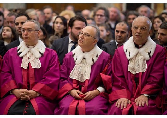 Huấn Thị mới của Bộ Giáo Dục về việc học Giáo Luật