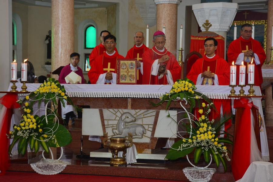 Thánh lễ khai mạc Năm Thánh Các Thánh Tử Đạo Việt Nam tại Giáo phận Qui Nhơn