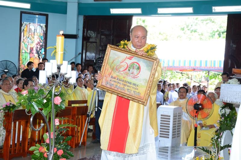 Thánh lễ Tạ Ơn mừng 50 năm hồng ân linh mục và Thượng Thọ bát tuần của cha Phêrô Nguyễn Chí Thiết