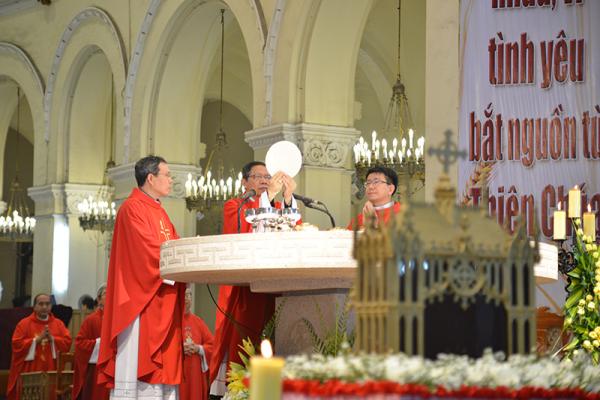 Thánh lễ Khai mạc Năm Thánh tôn vinh các Thánh Tử Đạo Việt Nam tại Sài Gòn