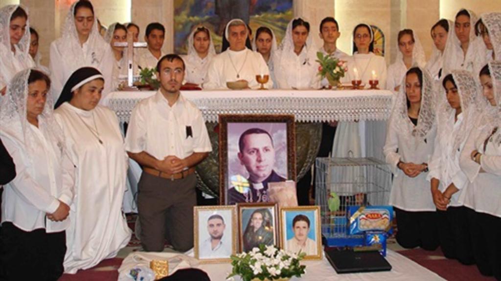 Án phong thánh cho cha Raghiid Ganni và 3 phó tế Iraq bị giết có thể được bắt đầu