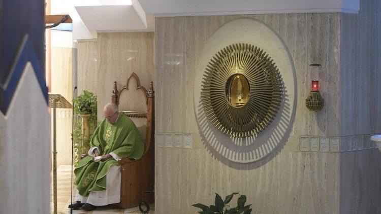Đức Thánh Cha Phanxicô: Hãy lên án chính mình, đừng lên án người khác