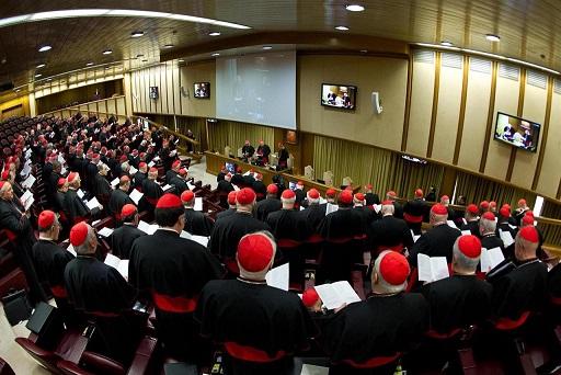 Thượng Hội đồng Giám mục: Giáo hội phải thích nghi để giúp đỡ người trẻ