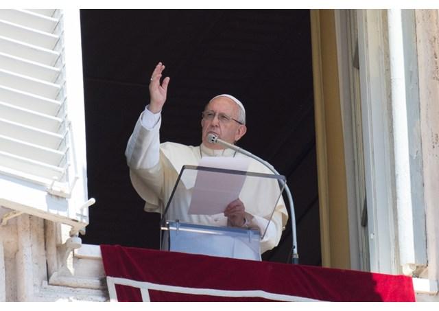 ĐTC Phanxicô: Chúa mời gọi chúng ta khiêm nhường và ngoan ngoãn lắng nghe Ngài