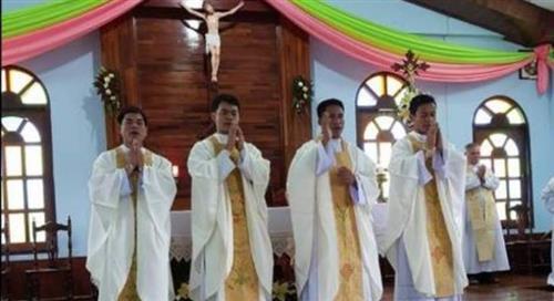 Giáo hội Lào vui mừng có thêm 4 tân linh mục