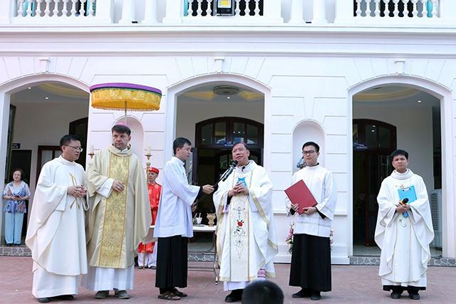 Giáo xứ Giang Xá: Thánh lễ tạ ơn khánh thành nhà mục vụ