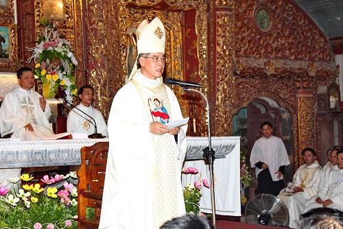 Phát Diệm - Bài giảng lễ phong chức linh mục: Linh mục là người được thánh hiến (30-8-2018)