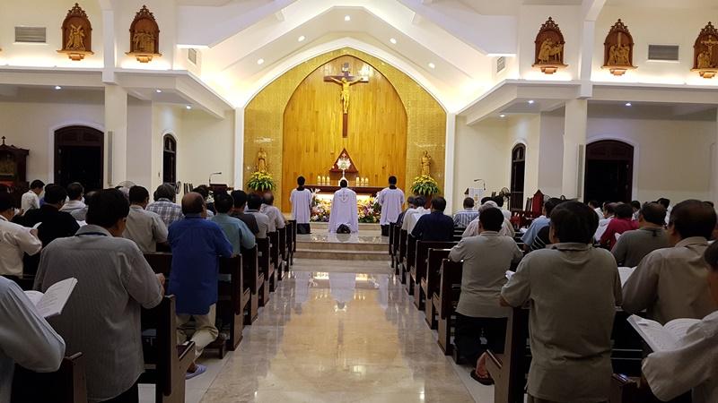 TGP Sài Gòn 2019: Linh mục đoàn tĩnh tâm