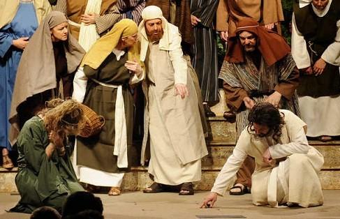 Khai thác, bóc lột phụ nữ là tội chống lại Thiên Chúa