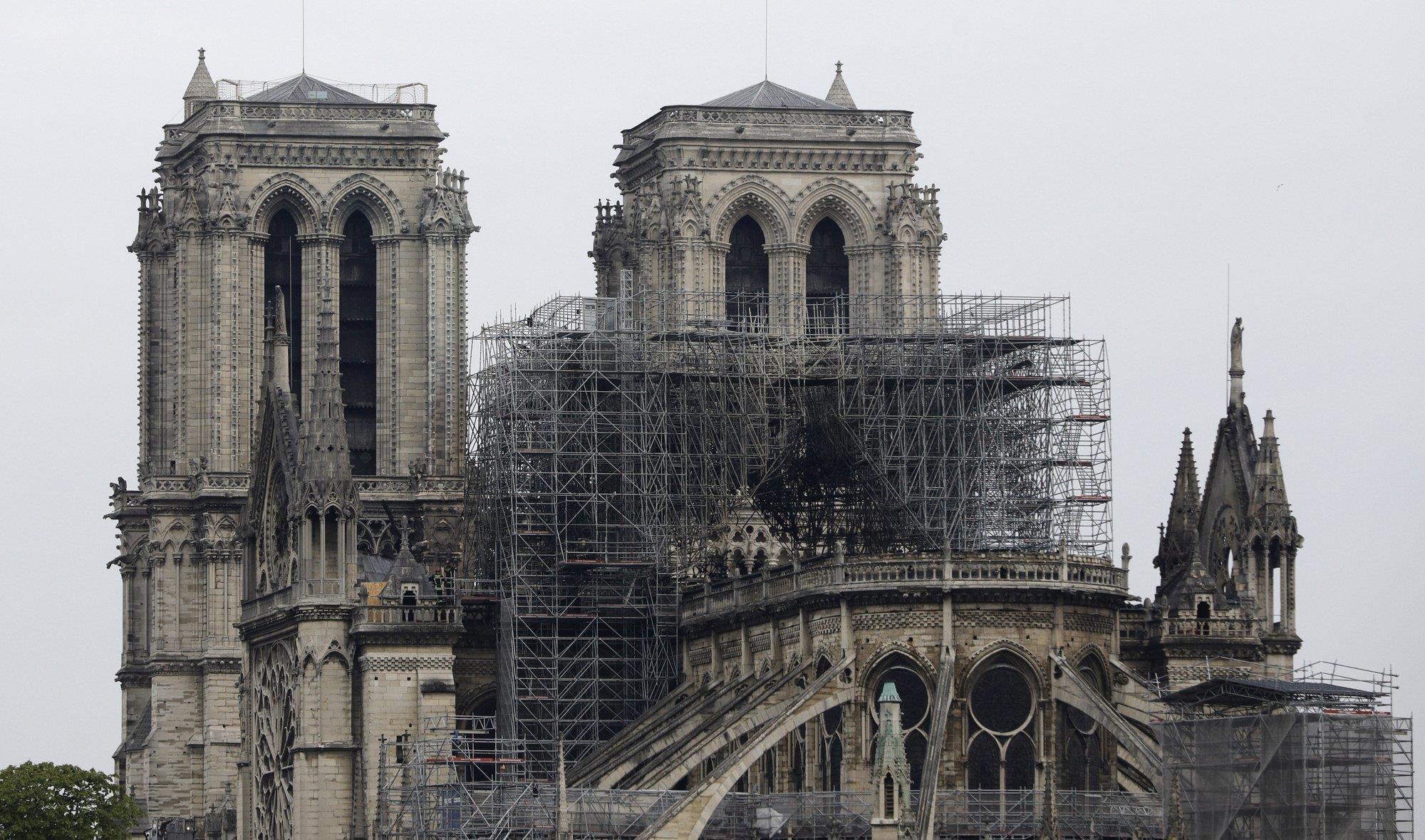 Toàn cảnh đám cháy tại Nhà thờ Đức Bà Paris