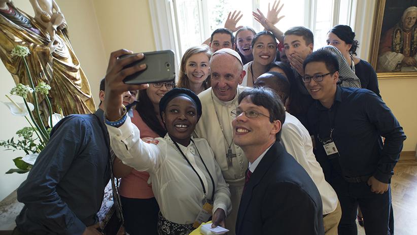 Sứ điệp Video của Đức Thánh Cha gửi các bạn trẻ quốc tế
