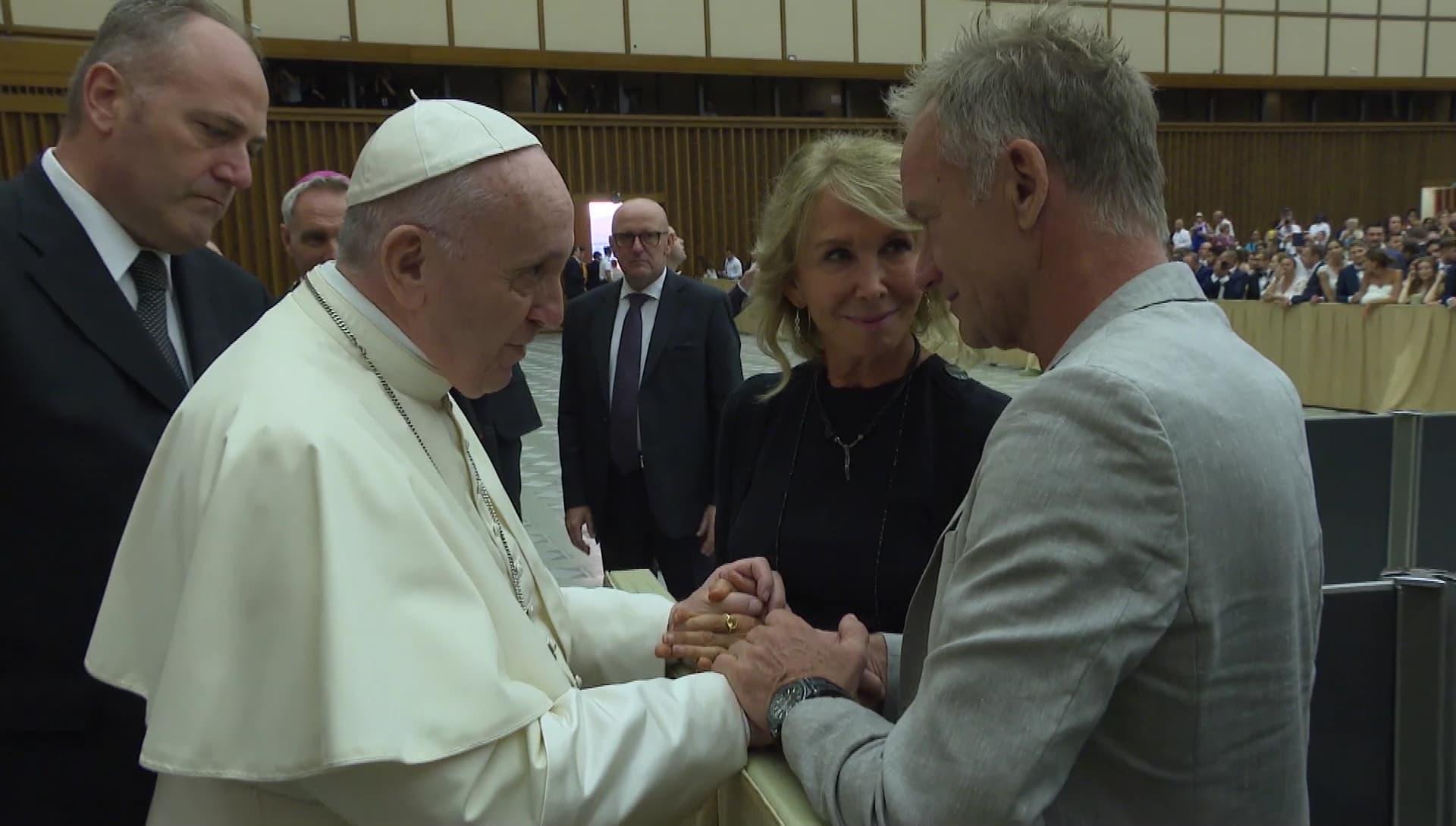 Đức Thánh Cha gặp gỡ vợ chồng ca sĩ Sting