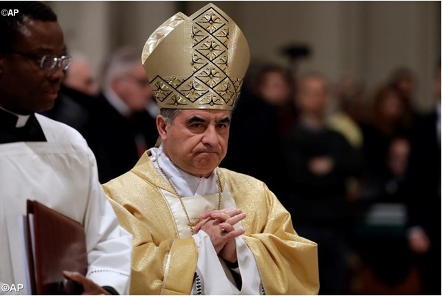 Đức Hồng Y tân cử Becciu làm Tổng trưởng Bộ Phong Thánh