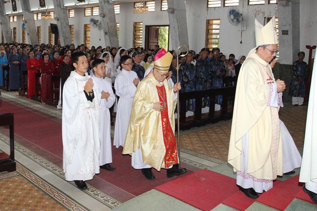 Thánh Lễ Đại Triều Mừng Chúa Phục Sinh 2017 tại TGP Huế