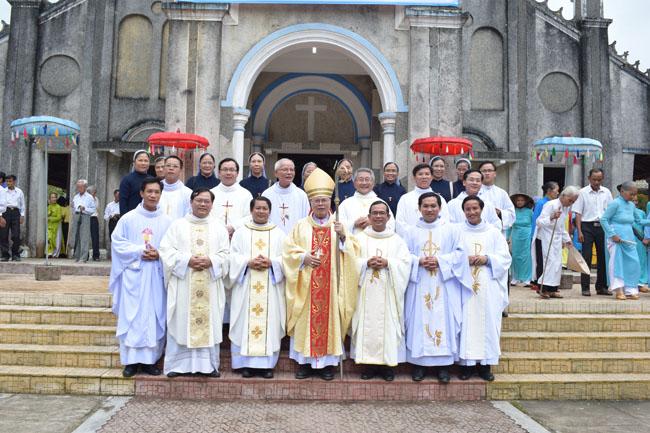Đức TGM Giuse viếng thăm mục vụ và dâng Thánh Lễ tại Giáo xứ Nước Ngọt
