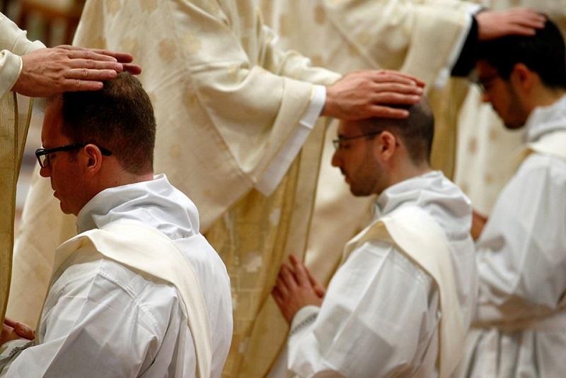 Lời khuyên dành cho các linh mục trẻ từ một 'người anh'